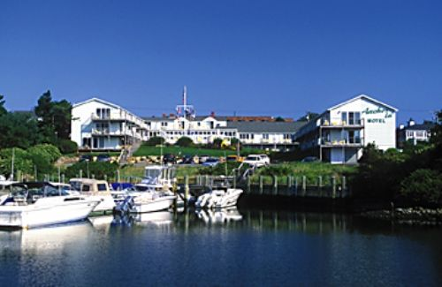 Cape cod golf cape cod guide lodging hotels for 700 salon hyannis